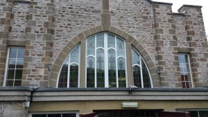Curved frames, Window